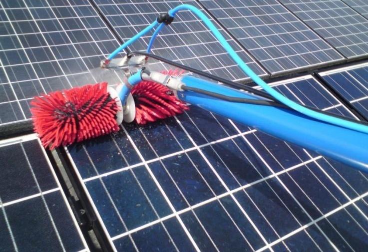 Nettoyage de grandes toitures photovoltaïques – Clean-progress.com