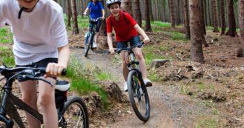Assurer la joie des enfants en les envoyant en colonie de vacances